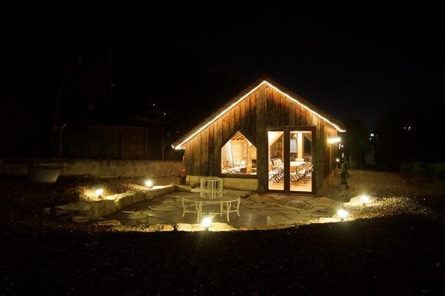 Tagungshuette-Ansicht bei Nacht
